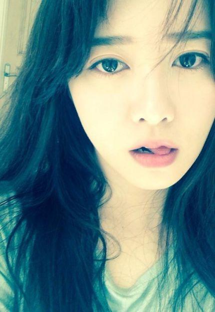 Gaya Favorit Cewek Korea Jaman Sekarang Ketika Berfoto