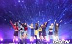 트와이스 '라이키', 발매 직후 4개차트 1위…'6연타 성공'